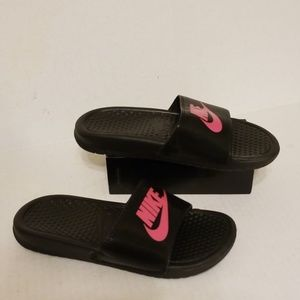 Nike slides big girls shoes size 4Y